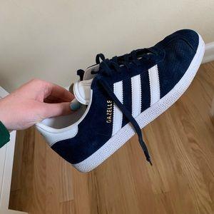 Adidas navy gazelle shoes men's 7.5/women's 8.5